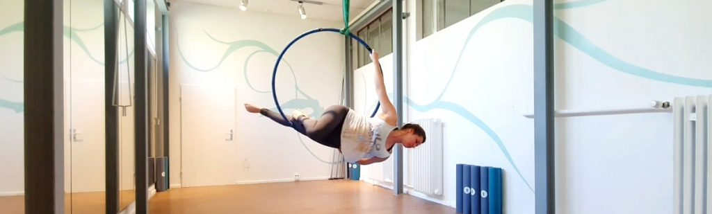 Aerial Hoop Trick Tutorial: Inside Mermaid und Outside Mermaid